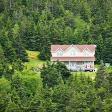 What Does Buying a Home in Canada Look Like?